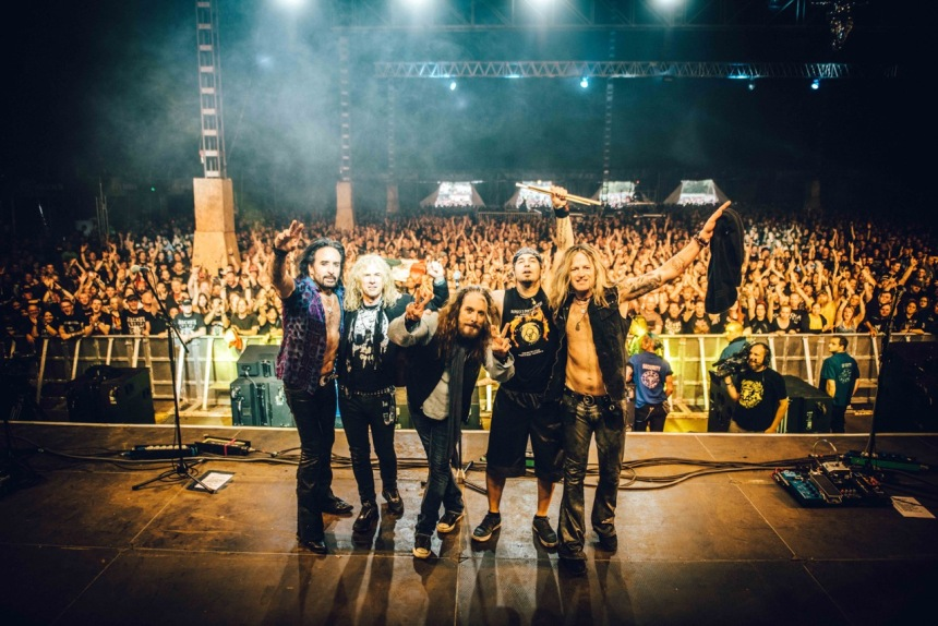 The Dead Daisies Group Live 2016 LoRes OH-TDD-04-07-16--0336-5